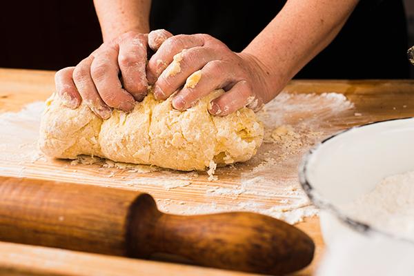 tészta készítés