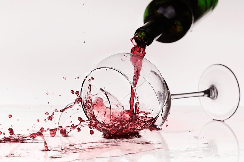 Törött boros pohár